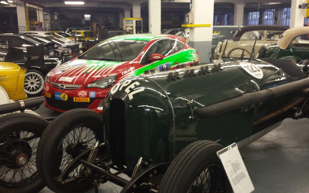 Opel ja Auto-Frankfurtista.de Rüsselsheimissa